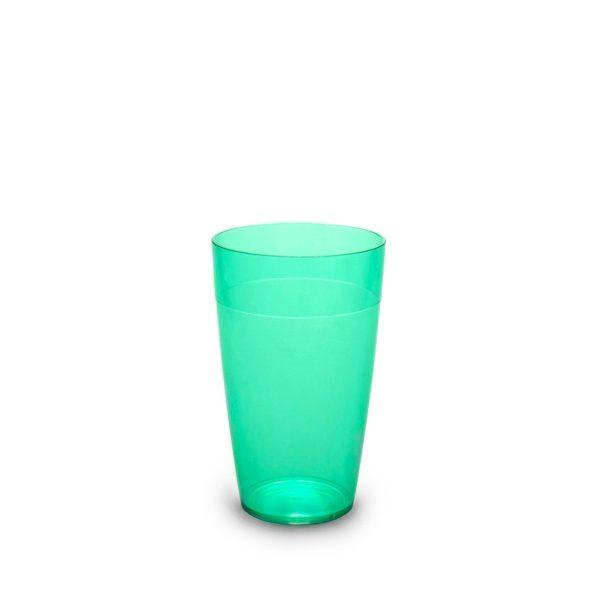 Grand gobelet vert incassable et personnalisable.